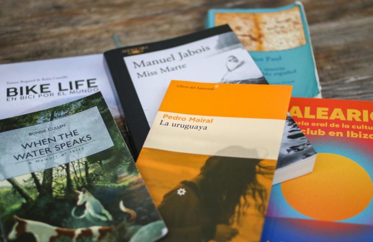 Seis libros para saborear en tu próxima escapada